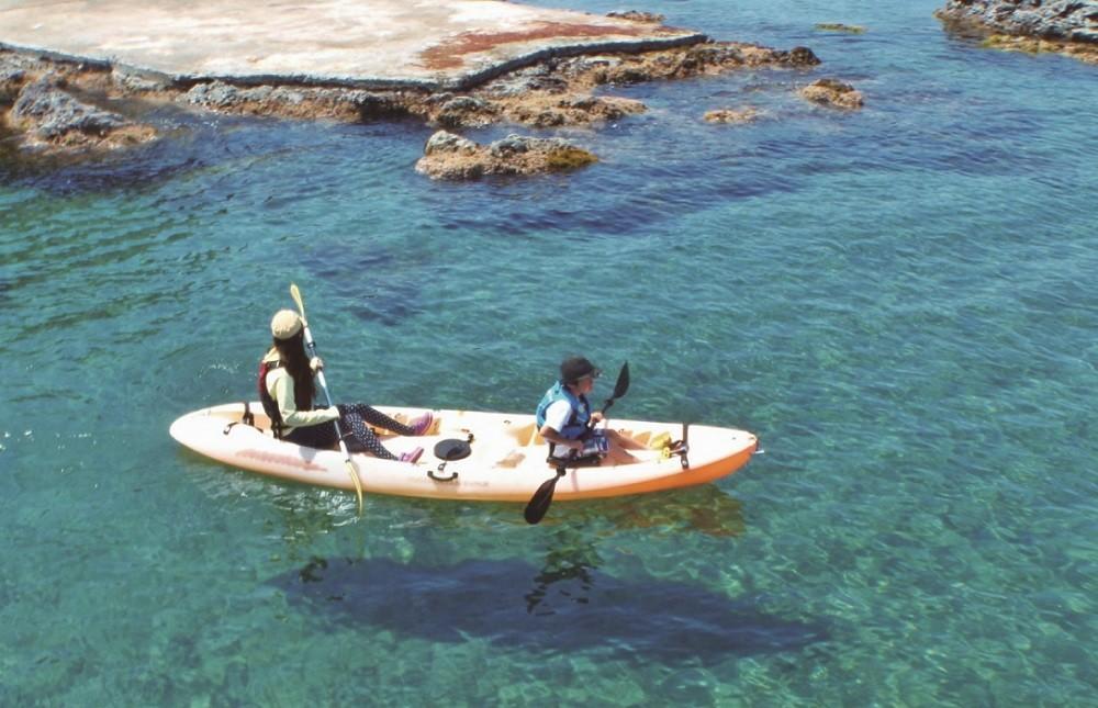 海からの絶景を楽しめるシーカヤック体験♪
