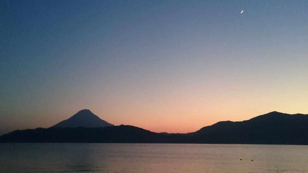 池田湖の夕暮れ