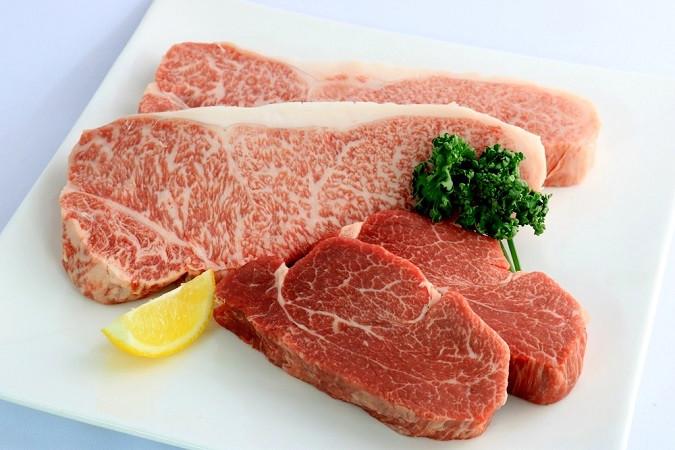 【1回目】『ヒレ(2枚)』と『サーロイン(厚切り2枚)』ステーキ