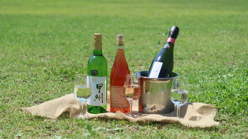 ※写真はイメージです。「暑い日に冷やしたワインは、最高です」
