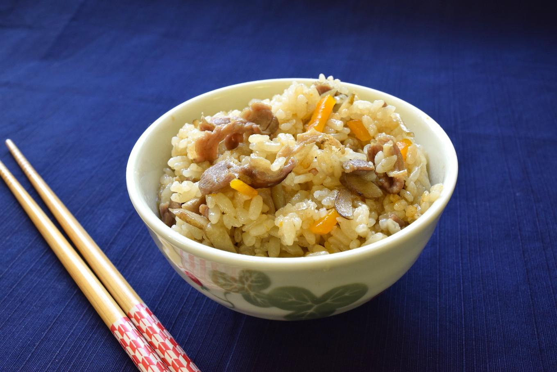 旨味たっぷりの出汁で炊いた炊き込みご飯は、食べだしたら止まらない
