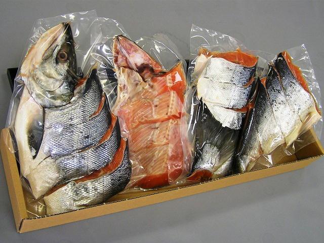 北海道産新物秋鮭の新巻鮭!一尾丸ごと約1.8kg厚切で食べ応えあり!