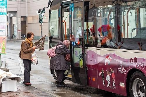 北上市のコミュニティーバス「おに丸号」