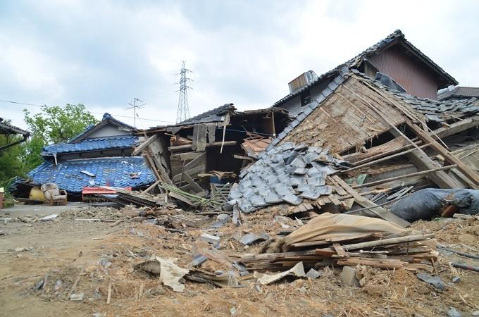 地震により全壊した家屋