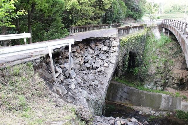 (熊本県上益城郡)御船町の被害状況 滝尾地区