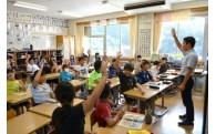 大月小学校へエアコンを設置しました!!