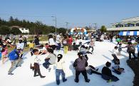 子ども広場「ふわふわドーム」が完成!