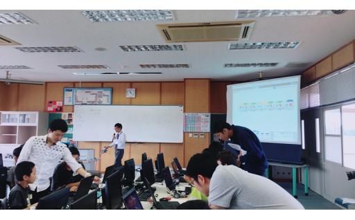 産学官連携でプログラミング教室を開催