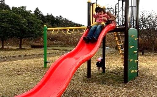 子供たちのための公園遊具に活用しています。