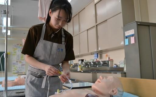 介護従事者の人材育成に助成しています