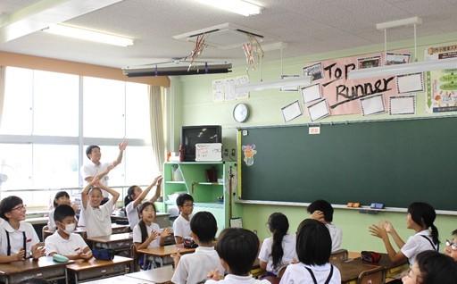市内の全小中学校にエアコンが設置されました。