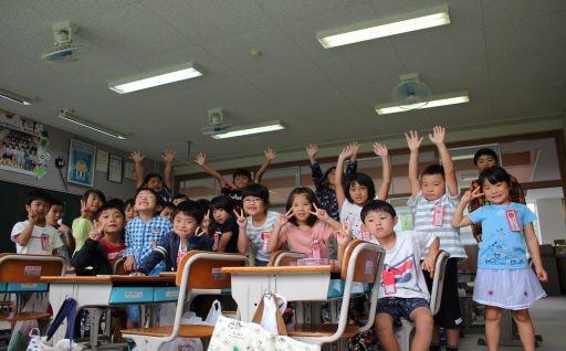 【暑い夏も快適に!】小学校に扇風機を設置。