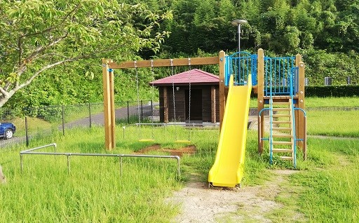 安心して遊べるよう公園遊具を設置改修しました