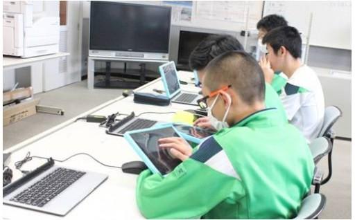 佐井中学校ICT設備の整備・保守に活用