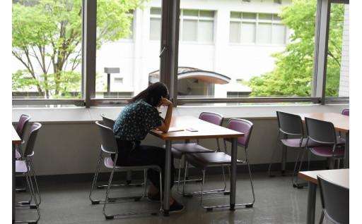 新型コロナウィルス拡大で困窮する大学生に支援を