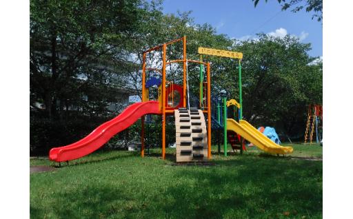 岩崎公園の複合遊具を新しくしました