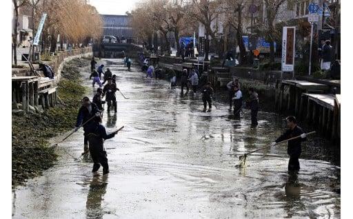 2「柳川を花や緑でいっぱいに」掘割や自然環境の保全サポート事業