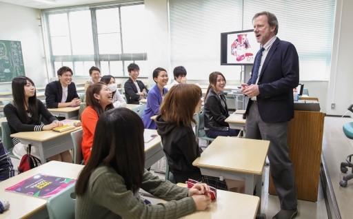 13.国際社会で活躍する人材を育成しよう~神戸市外国語大学支援~