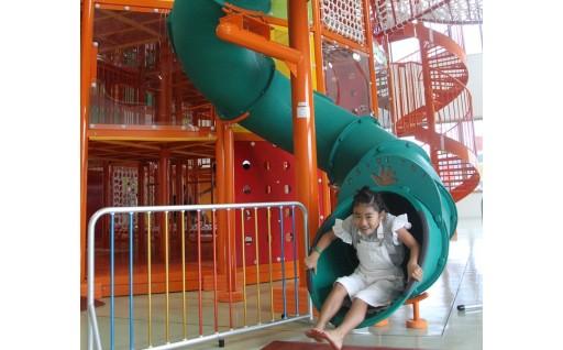 子どもの屋内遊び場「こじゅうろうキッズランド」による多世代の賑わいが生まれるまちづくり